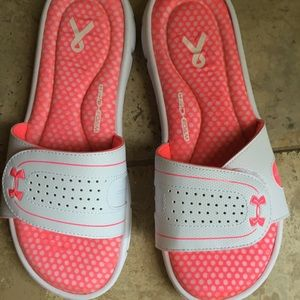UNDER ARMOUR Vlll Slides Shoes